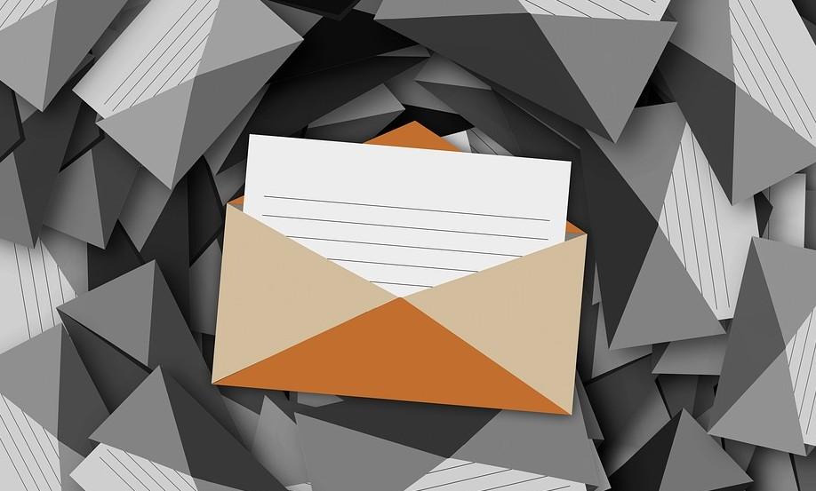 上司とのメール返信はどこまでするのが良い?締めや終わり方まで徹底解説!