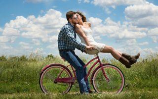 社内恋愛のアプローチが難しい!男性から迷惑にならない方法とは?